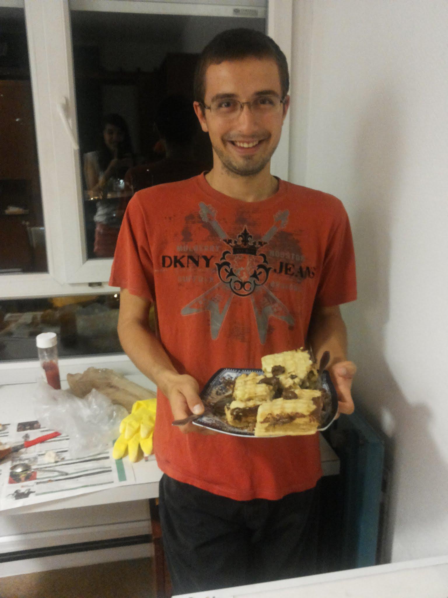Surpriza facuta de ziua mea de catre Andreea si colegele mele din Erasmus, Irina si Ana. Un tort din Nutella. Va multumesc!