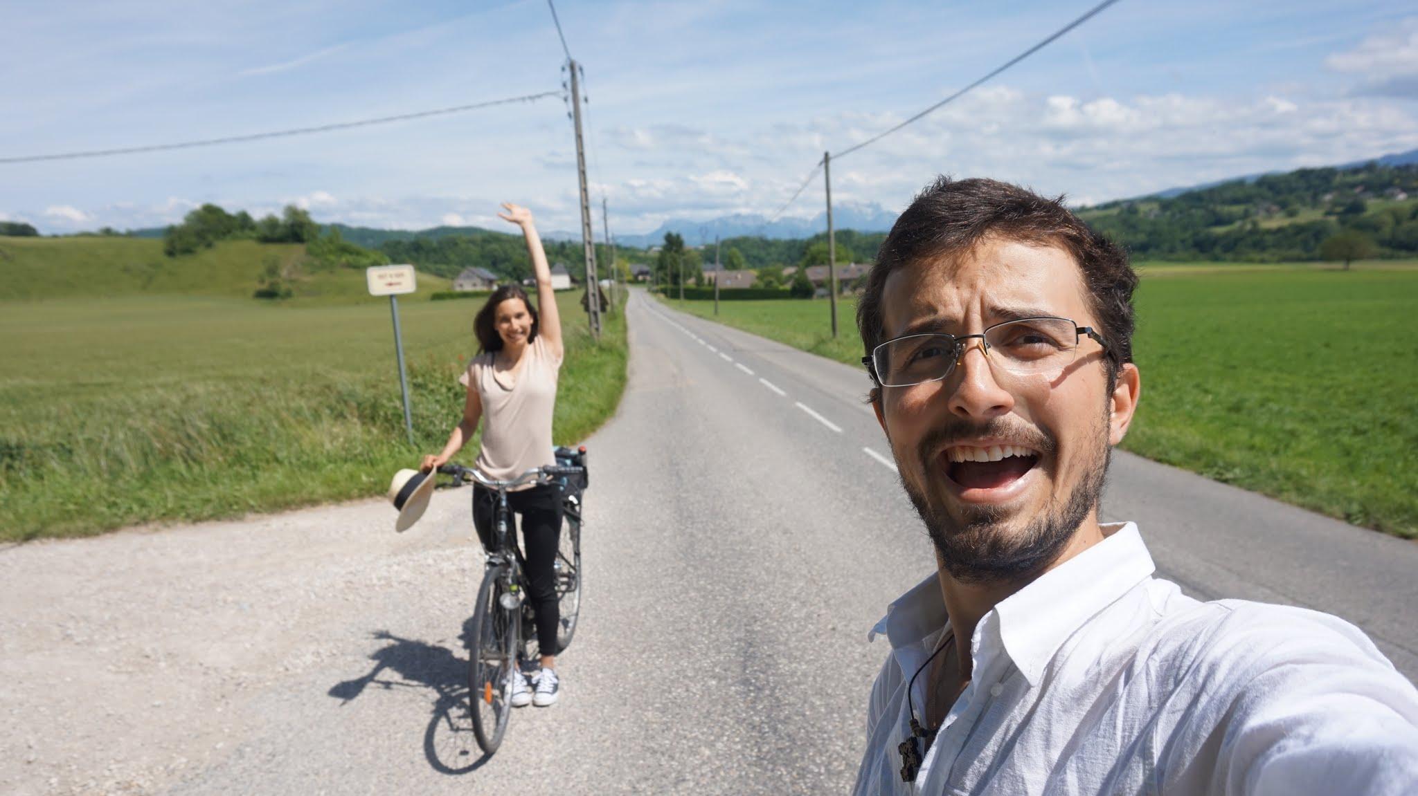 Fericiti pe drum